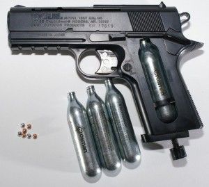 1024px-BB_gun_with_CO2_and_BBs