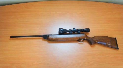 Weihrauch HW80K - .22 Air Rifle + Bag & 3-9x50 Scope - Second Hand